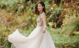 岑丽香出嫁在即 晒婚纱照甜美可人